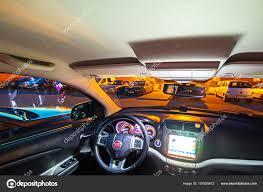 fiat freemont interior wnętrze samochodu fiat freemont suv zdjęcie stockowe editorial