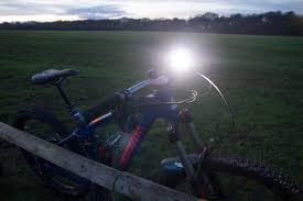 bike lights for night riding review ugoe 6000 lumen mountain bike lights bikes n stuff