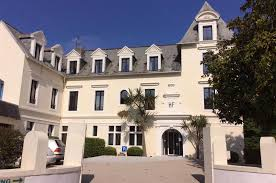 Hotel In Pol Sur Mer Hotel Pol De Léon On The Seafront Finistère Hôtel De