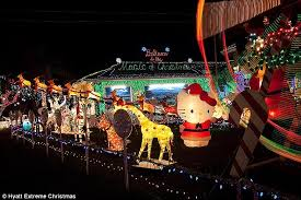 Christmas Yard Decorations Ferris Wheel by Is This America U0027s Most Lavishly Decorated Home Neighbors U0027 Outrage