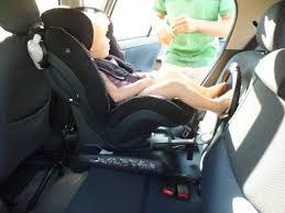 siège bébé dos à la route siege auto dos et route vêtement bébé