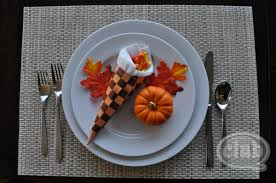 simple thanksgiving craft cornucopia thanksgiving table setting craft diy club chica