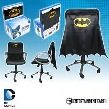 entertainment earth announces additions dc comics chair capes