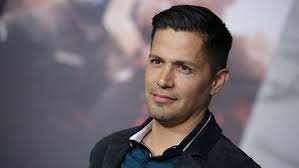 lord tumblr cliff tumbe pictures of hairstyles magnum pi reboot pilot at cbs casts jay hernandez in lead role