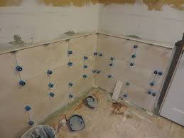 how to install large format travertine tile proleveling