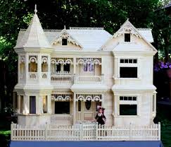 31 best dollhouse images on pinterest dollhouse furniture