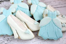 glass slipper favors cinderella birthday party favor cookies page two birthday wikii