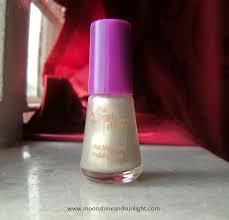 avon simply pretty color me pretty nail enamel in pearl white