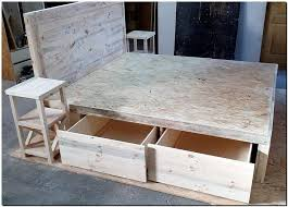 Diy Pallet Bed With Storage by 193 Best Pallet Beds Images On Pinterest Pallet Furniture