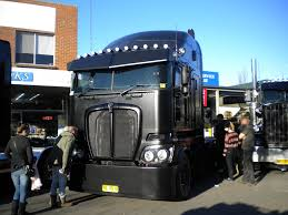 big kenworth trucks kenworth k200 interior exterior design looks quite dashing