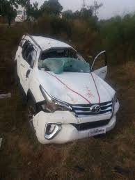 worst bugatti crashes brand new toyota fortuner crashed heavily soon after delivery