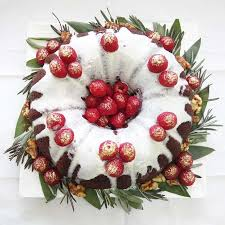 White Chocolate Christmas Cake Decorations by Christmas Wreath Bundt Cake Cake By Michelle Chan Cakesdecor