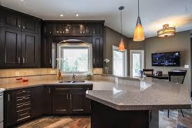 peindre une cuisine en bois cuisine peinture cuisine bois avec violet couleur peinture cuisine
