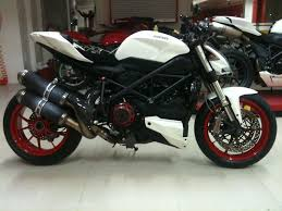 cbr bike show 1st in bike show painted the wheels red ducati ms the ultimate