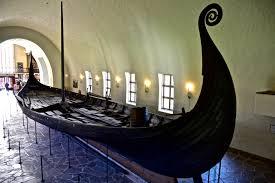file oseberg ship viking ship museum oslo jpg wikimedia commons