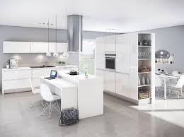 cuisine en l ouverte sur salon idee deco cuisine ouverte sur salon inspirations avec meuble de