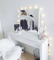 Vanity Table L Pinterest ℓ ι ѕ ѕ є т т є Room Pinterest Bedrooms Room
