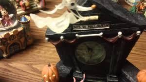 Mantle Piece Clock Disney Nightmare B 4 Xmas Mantle Clock Lites 13 Denizen Youtube