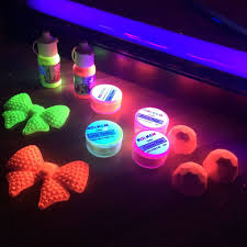 glow paint set of 8 neon lumo luminosity glow in the edible paints