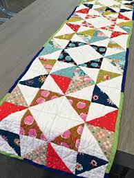 delightful table runner quilt pattern favecrafts