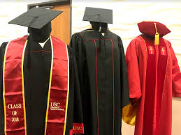 graduation gowns usc is requiring graduating students to wear its new branded gowns