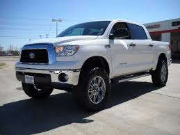 leveling kit for 2014 toyota tundra toyota tundra crewmax striking maybe someday car stuff