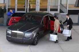 matte gray rolls royce kylie jenner shopping new rolls royce 11 04 2015 hawtcelebs