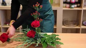 flower arranging for beginners oasis floral products how to glad tidings youtube