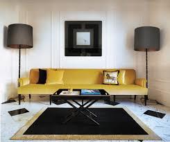 la casa de angela dunn el sillón es diseño de jacques grange
