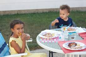 Kids Eating Table To The Parents Offended By Kids U0027 Eating Habits Babycenter Blog