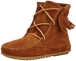 womens boots dsw minnetonka child ankle hi trer boots brown s shoes