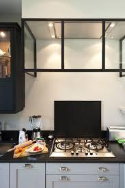 cuisine dans petit espace une cuisine sur mesure dans un petit espace ambiance atelier