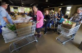 thanksgiving let the food distribution begin at the arboretum in
