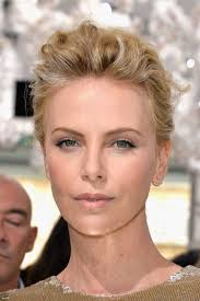 secrets of charlize theron u0027s glowy makeup at the dior haute