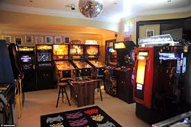 Arcade Barn Uk U0027s Best Games Rooms Compete To Become Man Cave Of The Year