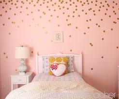 d orer chambre fille pois dorés tellement féminin dans une chambre de fille déco