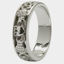 mens claddagh ring mens claddagh wedding ring sm 14ic4