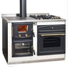 poele à bois pour cuisiner elektra réf chauffage cuisinières à bois espace poêle