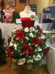 White Christmas Decorations For Sale by Diy Christmas Tree Mannequin Lots Of Ideas Mannequin Christmas