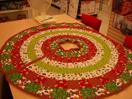Free Christmas Tree Quilt Patterns Christmas Xmas Tree Skirts Quilt Pattern Crochet Patterns For Free