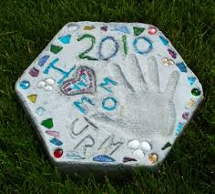 Garden Crafts For Adults - personalized stepping stones for gardens hubpages