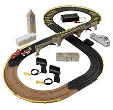 amazon com cars 2 r c london city raceway slot car racing set