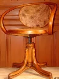 fauteuil de bureau en bois pivotant fauteuil en bois courbé thonet vers 1930