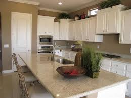 white wall kitchen cabinets white cabinets beige walls light countertops kitchen pinterest