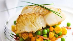 cuisiner le cabillaud recette dos de cabillaud sur lit de légumes recettes les plats