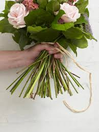 how to make a hand tied bouquet hgtv