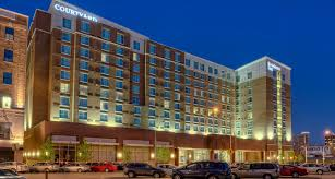 Comfort Inn And Suites Downtown Kansas City Hotels In Kansas City Courtyard Kansas City Downtown Convention