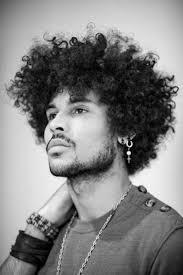 Frisuren Schulterlanges Lockiges Haar by Die Besten 25 Afro Locken Ideen Auf Verrückte Locken