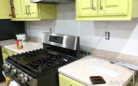 How To Install A Backsplash In The Kitchen Installing A Backsplash The Easy Way Reality Daydream