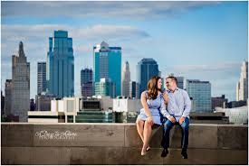 photographers in kansas city beth josh kansas city engagement photography a day to adore